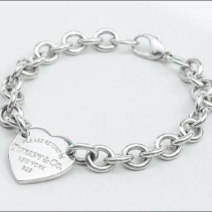 Tiffany & Co | Heart Charm Bracelet
